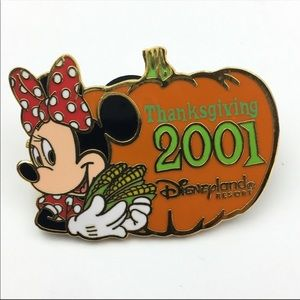Disnay Thanksgiving Holiday Minnie Mouse Pumpkin
